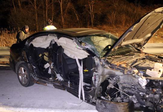 Car slams into transport December 18, 20200