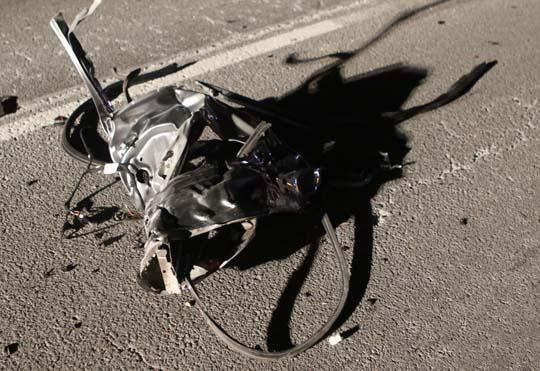 Car slams into transport December 18, 20201