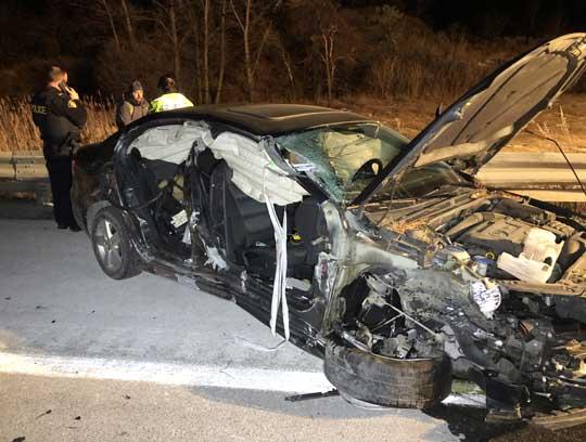 Car slams into transport December 18, 20205