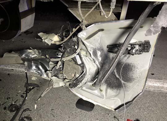 Car slams into transport December 18, 20209