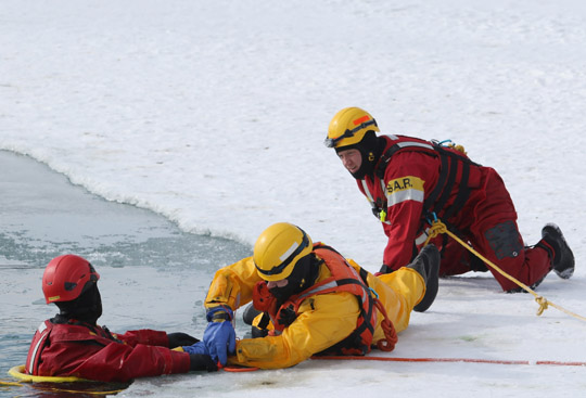Ice Water Rescue Training Cobourg February 21, 2021140