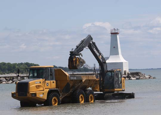 Digging Cobourg Harbour June 15, 20213121