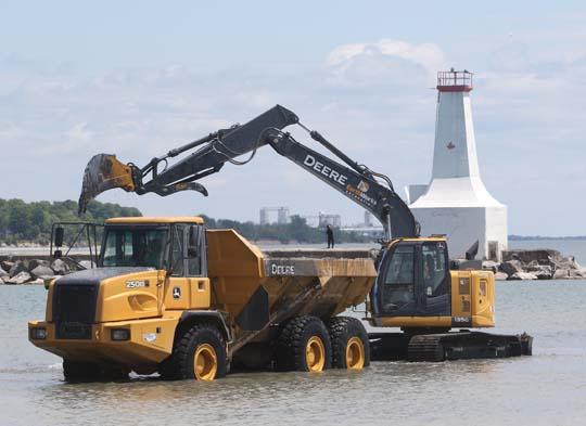 Digging Cobourg Harbour June 15, 20213122
