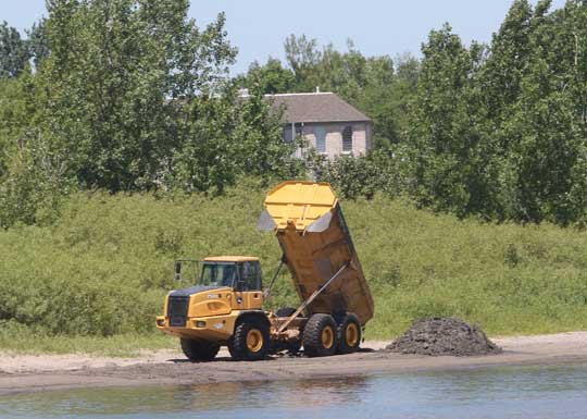 Digging Cobourg Harbour June 15, 20213124