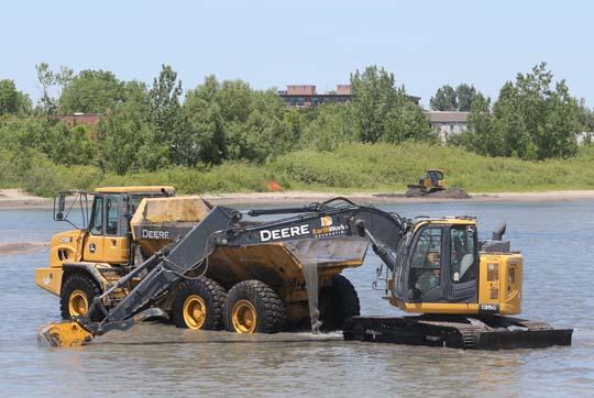 Digging Cobourg Harbour June 15, 20213125