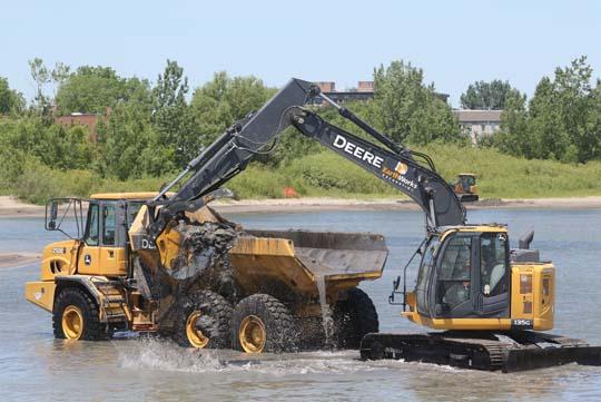 Digging Cobourg Harbour June 15, 20213126