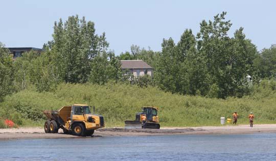 Digging Cobourg Harbour June 15, 20213127