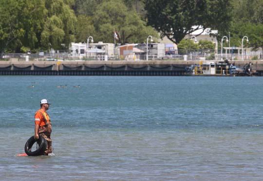 Digging Cobourg Harbour June 15, 20213132