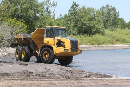 Digging Cobourg Harbour June 15, 20213133