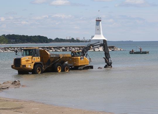 Digging Cobourg Harbour June 15, 20213134