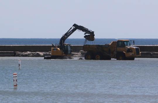 Digging Cobourg Harbour June 15, 20213135