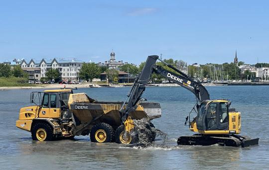 Digging Cobourg Harbour June 15, 20213137