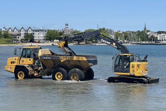 Digging Cobourg Harbour June 15, 20213138