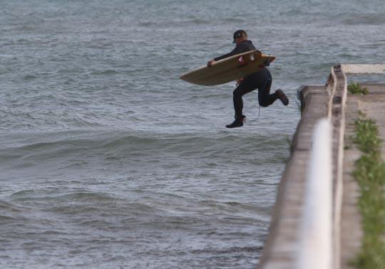 Surfing Cobourg June 2, 20213285