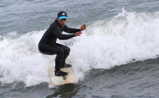 Surfing Cobourg June 2, 20213289