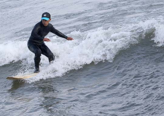 Surfing Cobourg June 2, 20213295