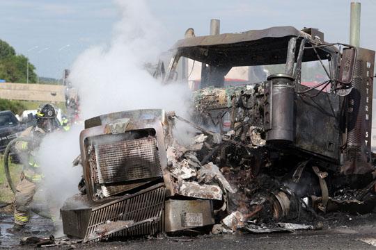 Transport Fire Highway 401 Colborne June 15, 20213168