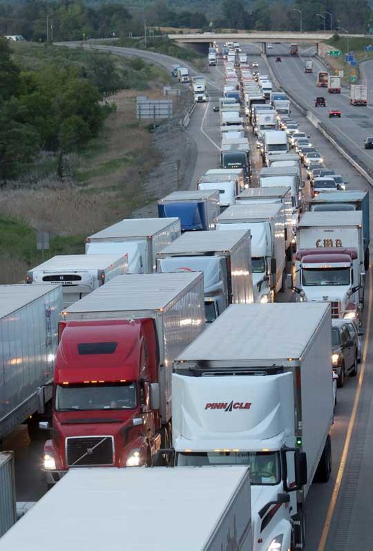 Transport Rollover Highway 401 June 2, 20212635